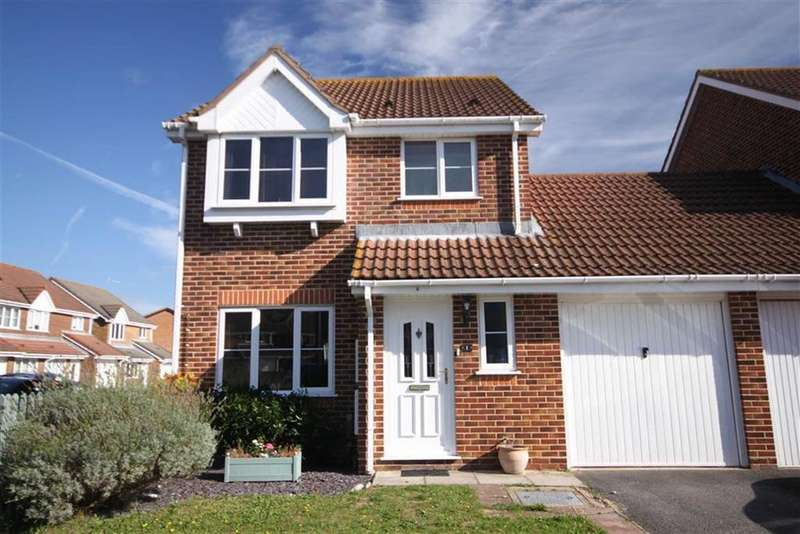 3 Bedrooms Link Detached House for sale in Chant Close, Christchurch, Dorset