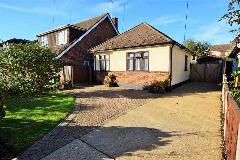 3 Bedrooms Detached Bungalow for sale in Vista Road, Wickford