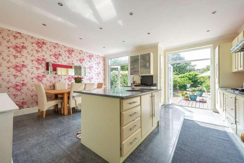 4 Bedrooms End Of Terrace House for sale in Ingatestone Road, Aldersbrook