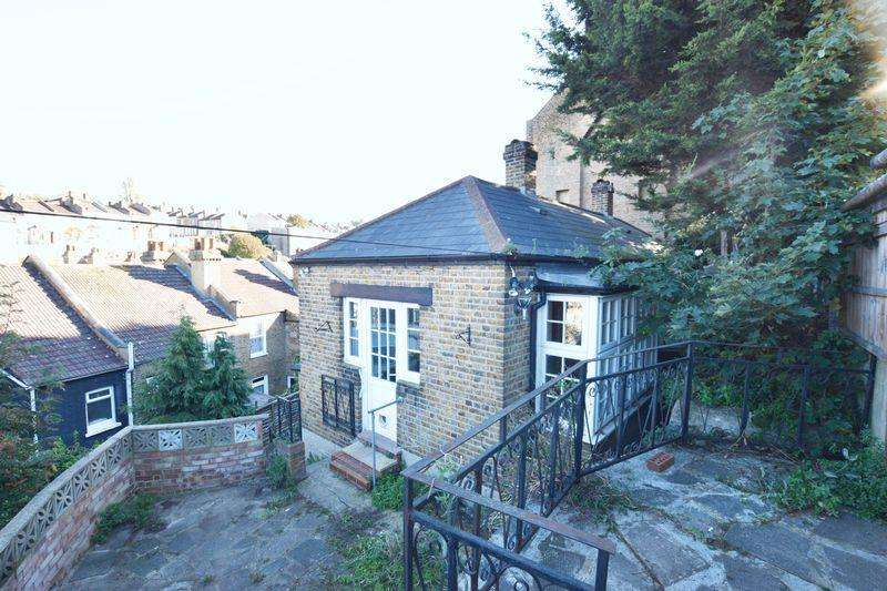 1 Bedroom Bungalow for sale in Parkdale Road, Plumstead, SE18