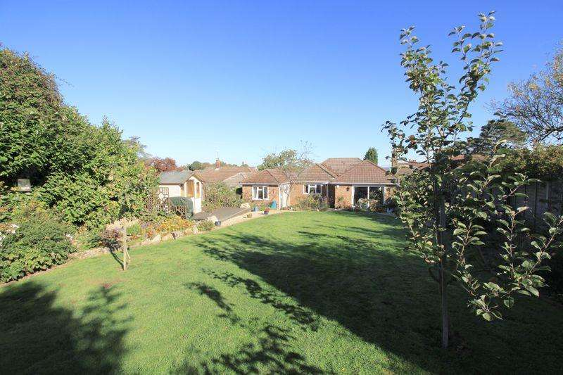 3 Bedrooms Bungalow for sale in ***PRESTIGIOUS ROAD WITH LARGE GARDEN IN CHURCH LANE, HEDGE END***
