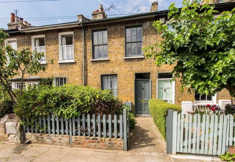 2 Bedrooms Terraced House for sale in Mile End Place, E1