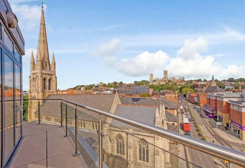 2 Bedrooms Penthouse Flat for sale in Thorngate House, St. Swithins Square, Lincoln, LN2