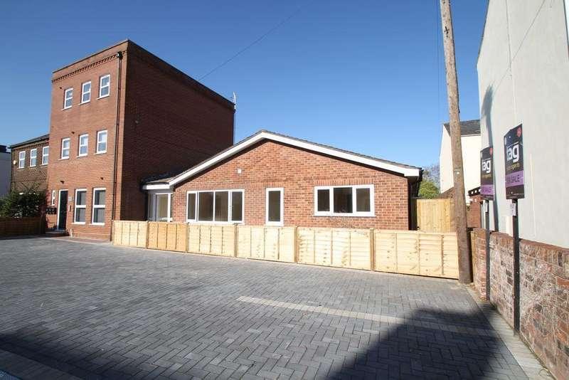 2 Bedrooms Bungalow for sale in Watledge Close, Tewkesbury