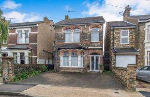 3 Bedrooms Detached House for sale in St. James' Road, Gravesend, Kent, England