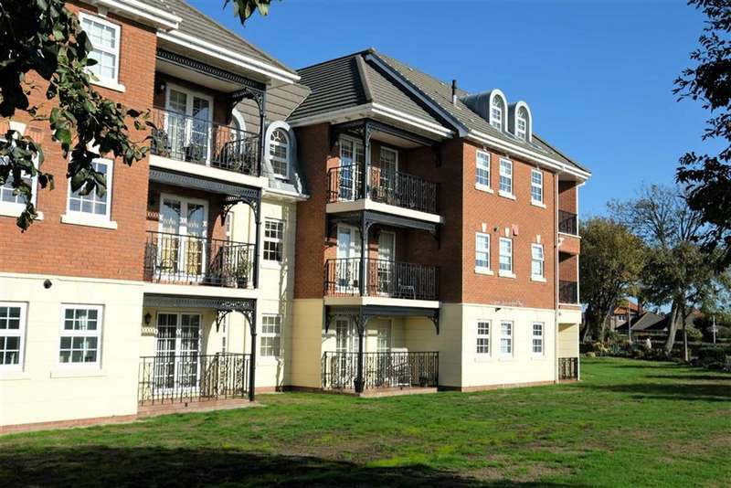2 Bedrooms Apartment Flat for sale in Sunningdale Court, St Annes On Sea