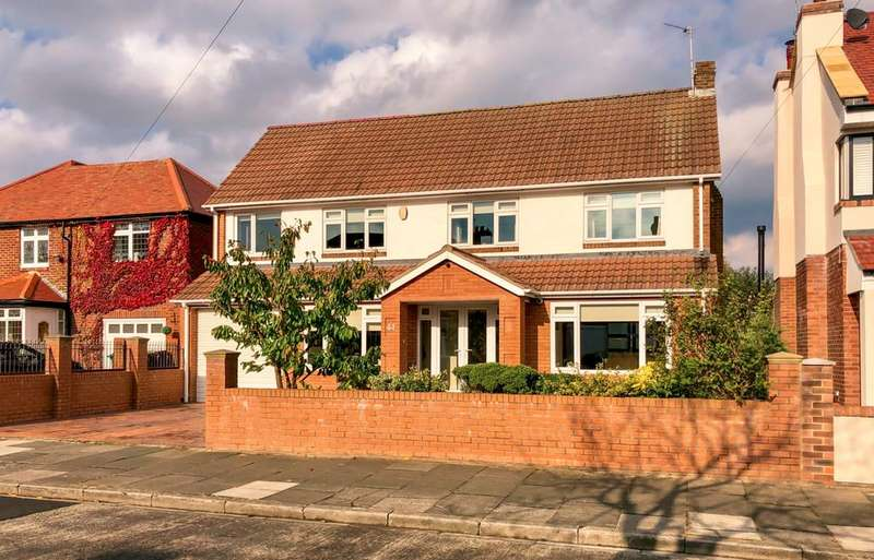 4 Bedrooms Detached House for sale in Brierdene Crescent, Whitley Bay, NE26