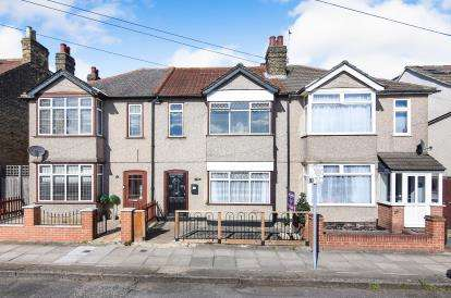 3 Bedrooms Terraced House for sale in Romford, Havering, United Kingdom