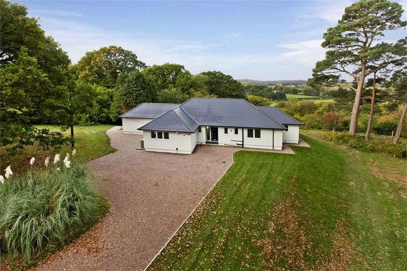 4 Bedrooms Detached Bungalow for sale in Cottage Lane, SEDLESCOMBE, East Sussex