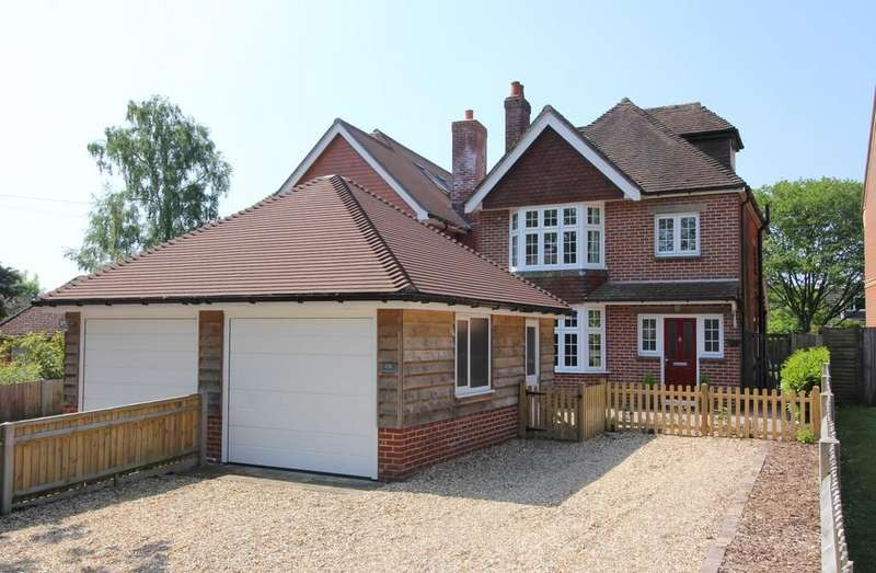4 Bedrooms Detached House for sale in Botley, Hampshire