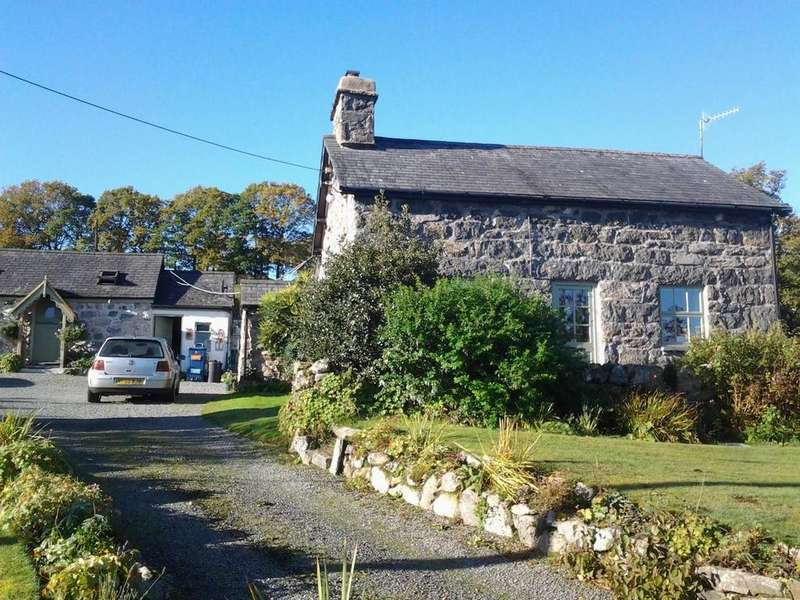 4 Bedrooms Detached House for sale in Llanuwchllyn, Bala