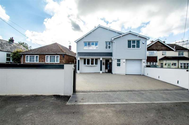 4 Bedrooms Detached House for sale in Harrow Road, Hempstead, Gillingham