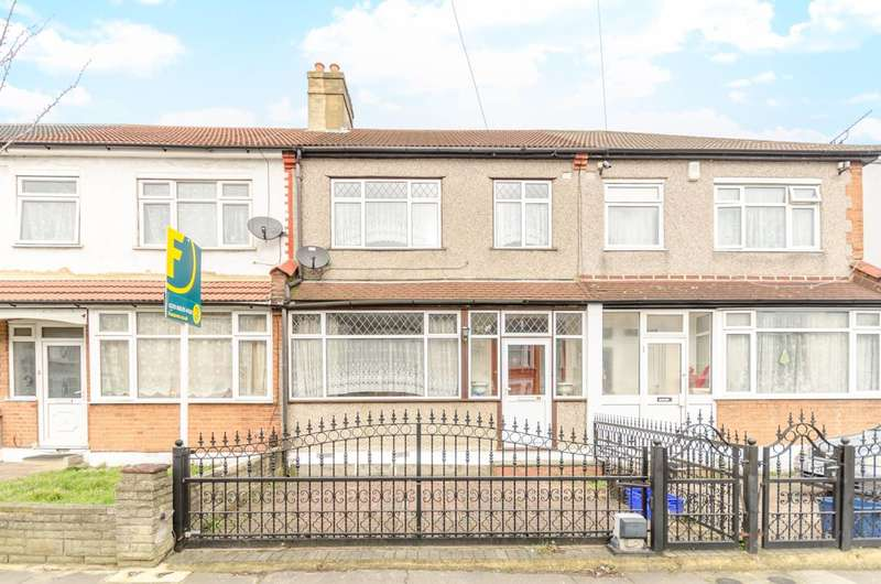 3 Bedrooms Terraced House for sale in Lambourne Road, Seven Kings, IG3