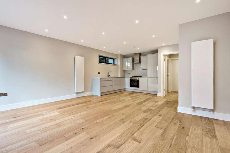3 Bedrooms End Of Terrace House for sale in Albert Road, South Norwood