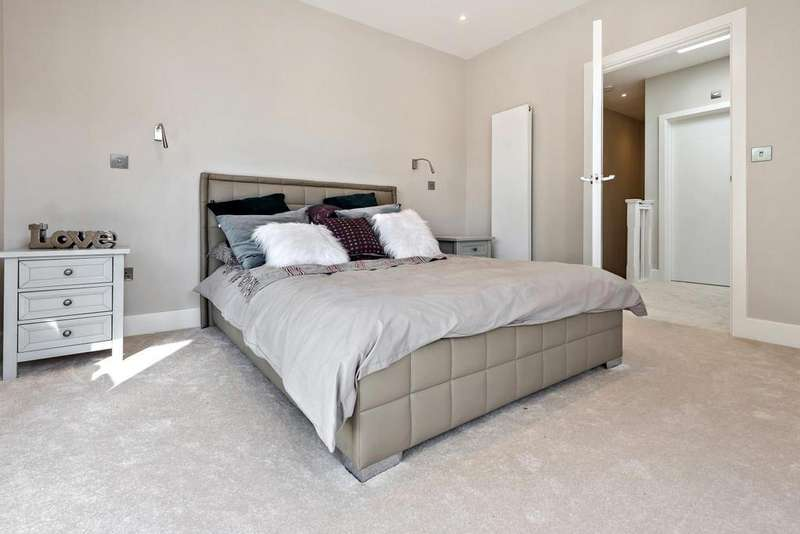 2 Bedrooms End Of Terrace House for sale in Albert Road, South Norwood