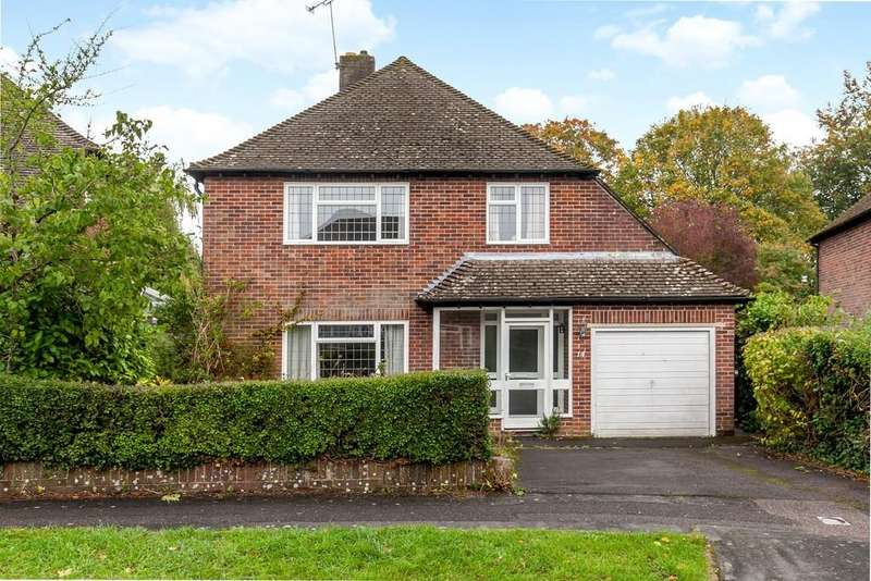 4 Bedrooms Detached House for sale in Woodfield Drive, Winchester, SO22