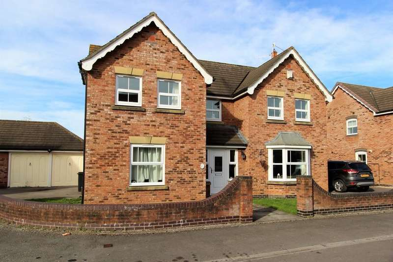 4 Bedrooms Detached House for sale in Warner Close, Cleeve