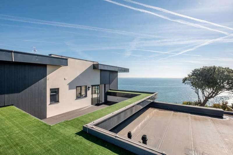 3 Bedrooms Penthouse Flat for sale in Sandown, Isle of Wight