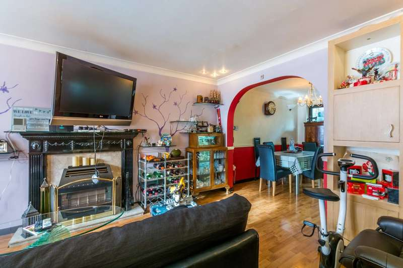 4 Bedrooms Terraced House for sale in Heathfield Drive, Mitcham, CR4