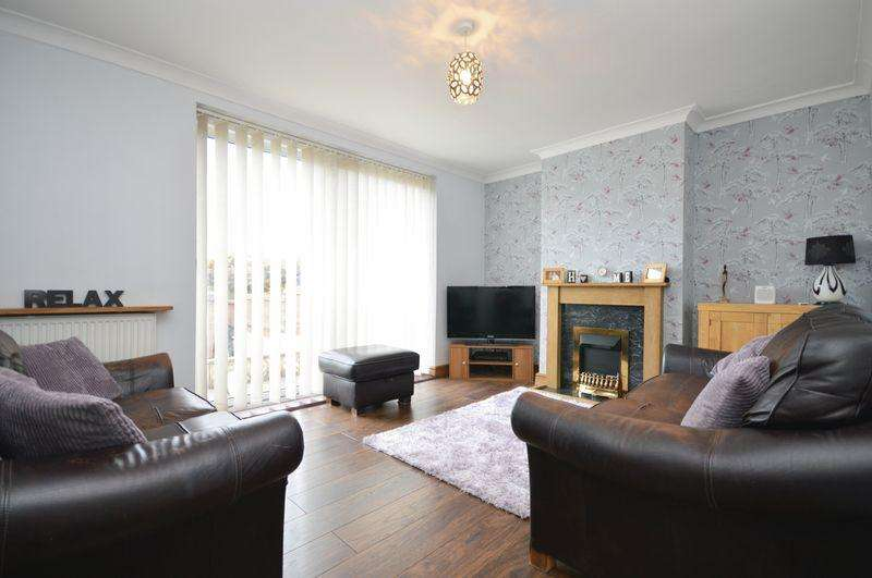 3 Bedrooms Semi Detached House for sale in Wrington Crescent, Bristol