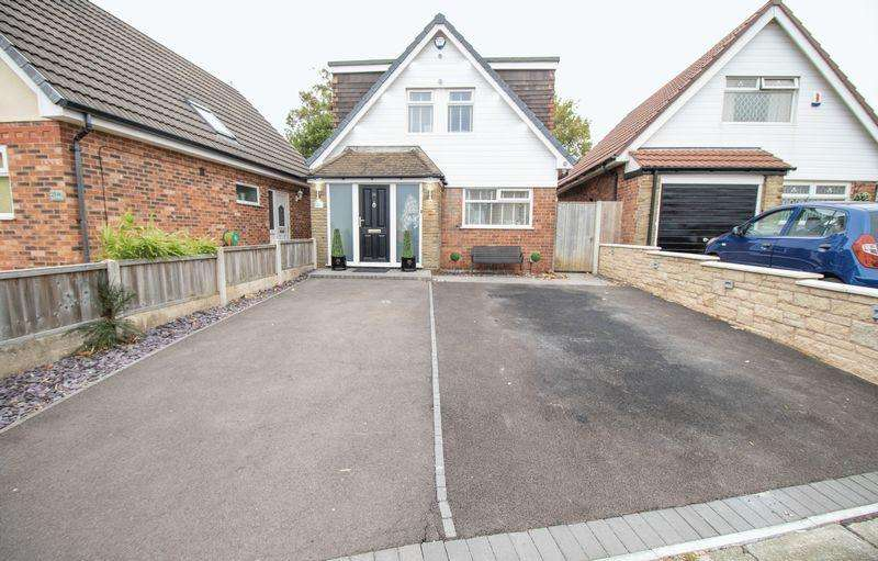 3 Bedrooms Detached Bungalow for sale in Southover, Westhoughton, Bolton, BL5 2HS