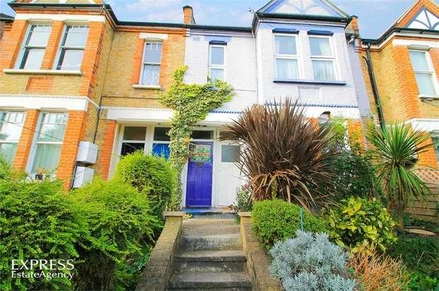 3 Bedrooms Maisonette Flat for sale in Castlewood Road, London