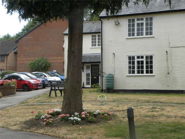1 Bedroom Flat for sale in Four Limes, Wheathampstead, St Albans, Hertfordshire