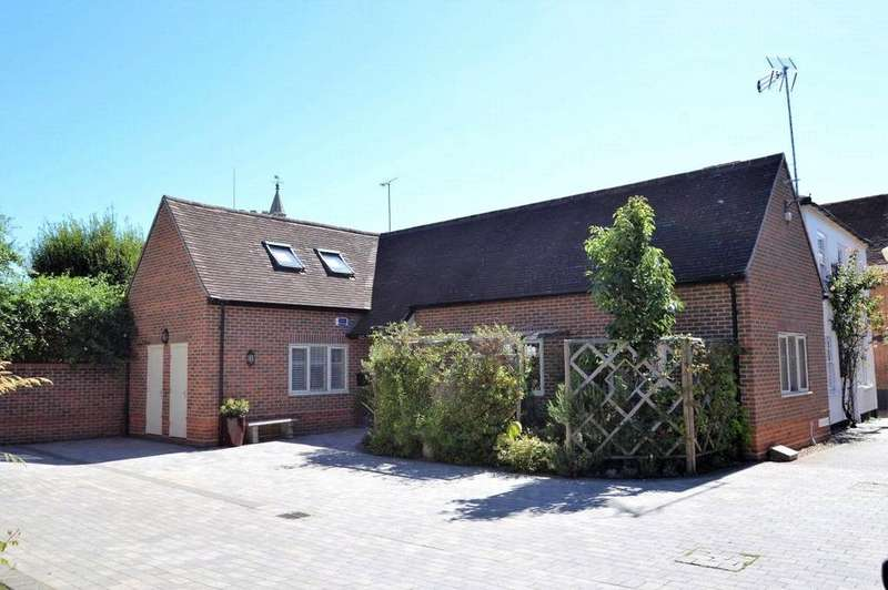 2 Bedrooms House for sale in Yeoman Court, Wokingham, Berkshire, RG40