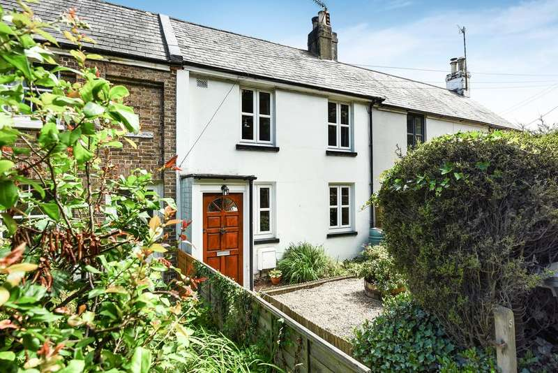 3 Bedrooms Terraced House for sale in Woodside Terrace, Polegate Road, Hailsham BN27