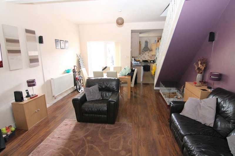 4 Bedrooms Terraced House for sale in Stockport Road, Denton, Manchester