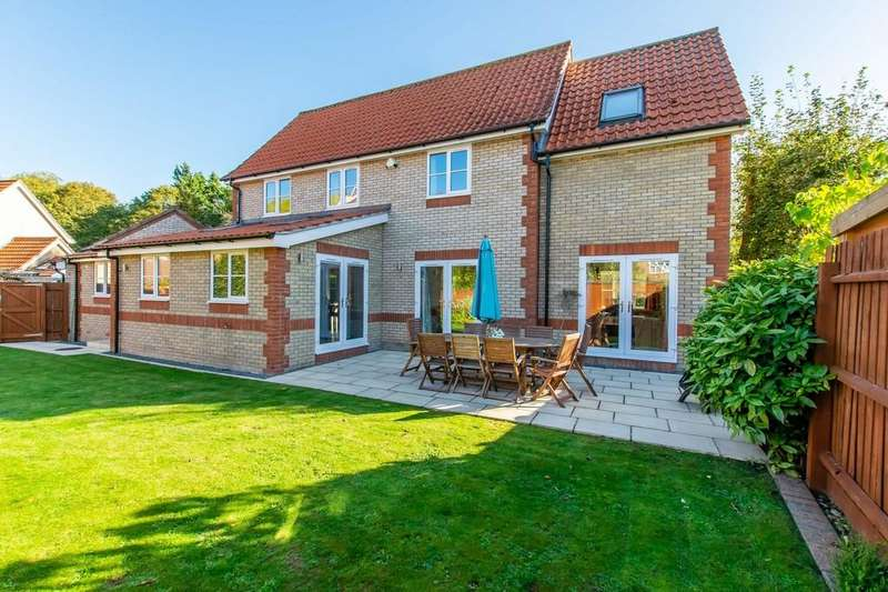 4 Bedrooms Detached House for sale in Peacock Drive, Bottisham