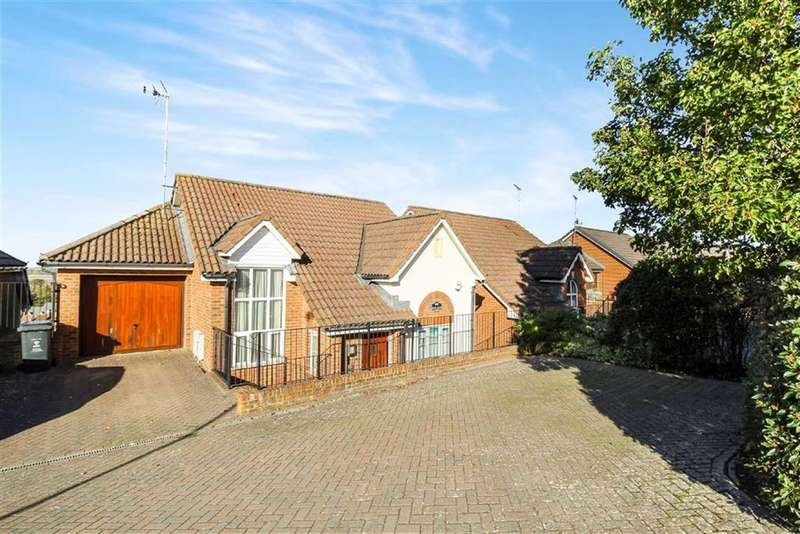 4 Bedrooms Detached House for sale in Okus Road, Old Town, Swindon