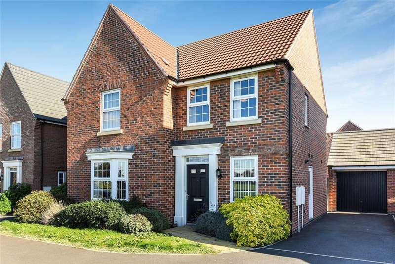 4 Bedrooms Detached House for sale in Valerian Place, North Hykeham, LN6
