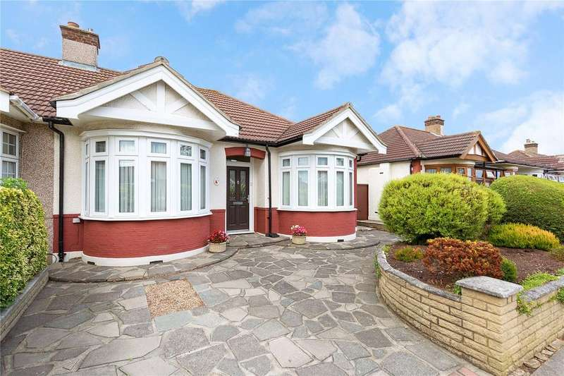 2 Bedrooms Bungalow for sale in Kent Drive, Hornchurch, RM12