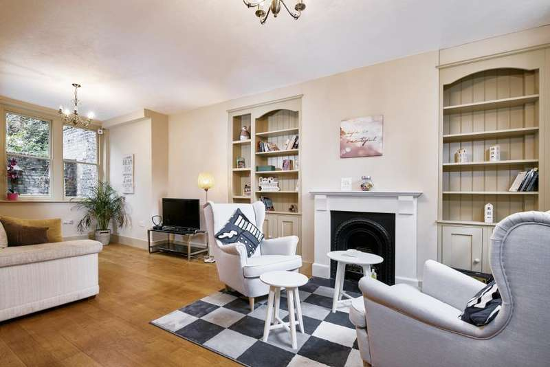 5 Bedrooms House for sale in Puma Court, E1