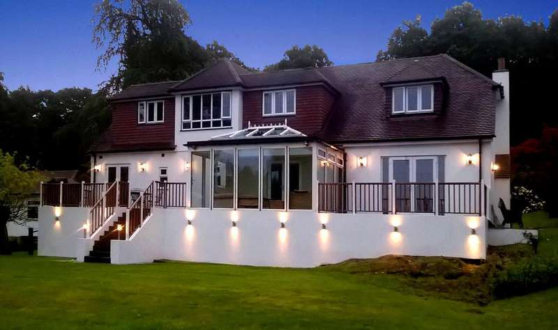 4 Bedrooms Lodge Character Property for sale in Colemans Hatch, Hartfield, East Sussex