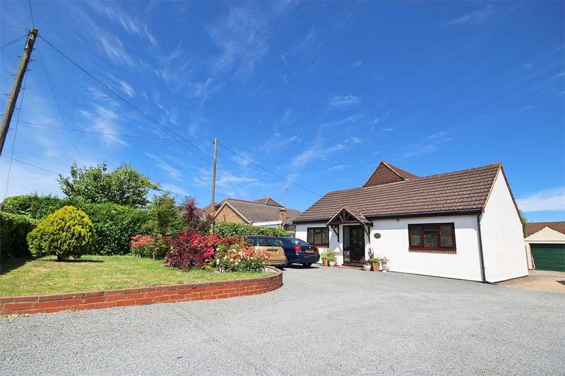 5 Bedrooms Chalet House for sale in Hullbridge Road, South Woodham Ferrers, CHELMSFORD, Essex