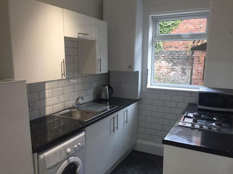 4 Bedrooms House Share for rent in ***ALL BILLS INC***Shoreham St, Sheffield, S2 4FA