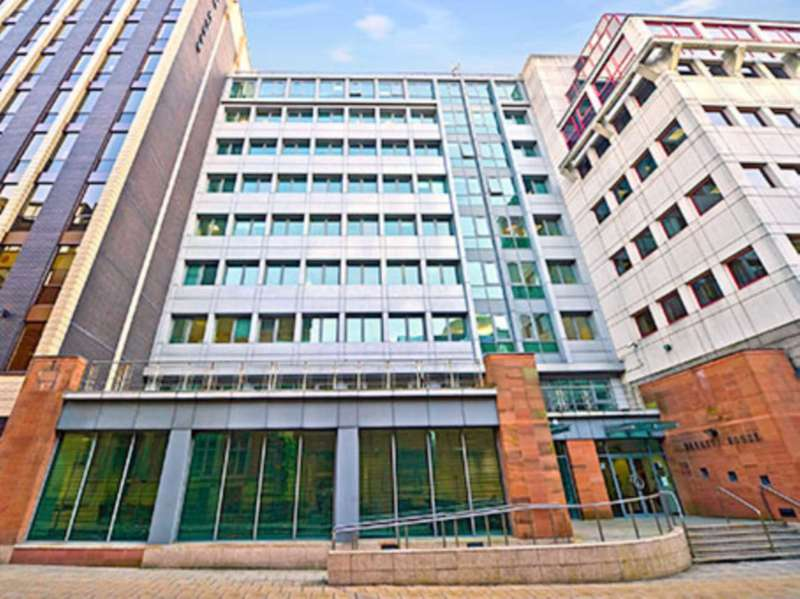 Serviced Office Commercial for rent in Fountain Street, Manchester