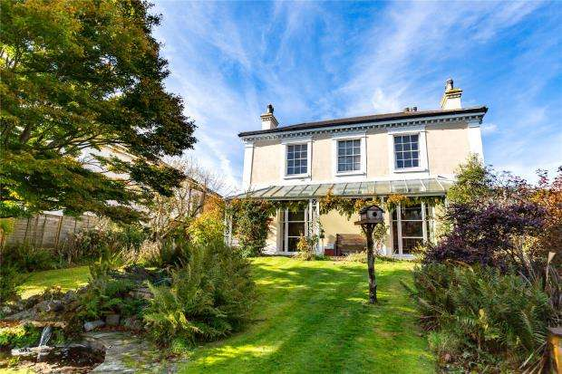 5 Bedrooms Detached House for sale in Coombeshead Road, Newton Abbot, Devon