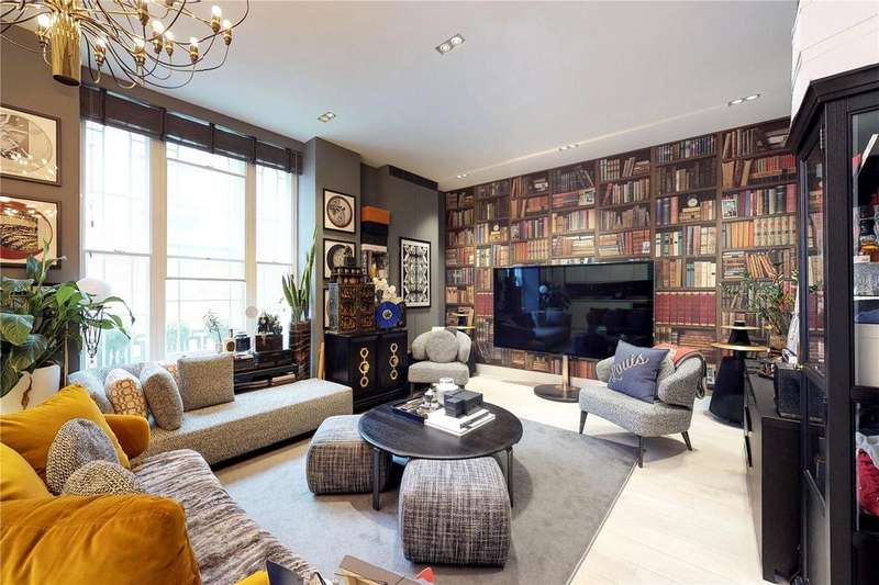 2 Bedrooms Flat for sale in Warwick Court, London, WC1R