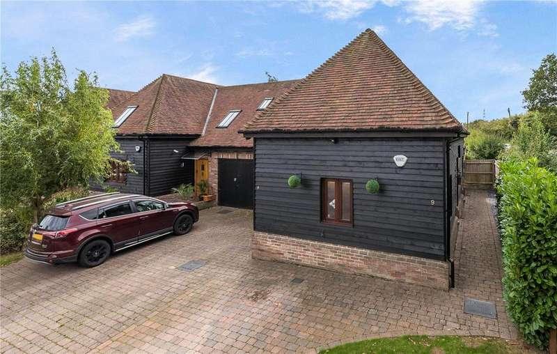 2 Bedrooms Semi Detached House for sale in Brick Kiln Barns, Chaul End Road, Caddington, Luton
