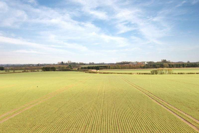 Farm Commercial for sale in Friesthorpe Farm - Whole, Friesthorpe, Lincolnshire, LN3