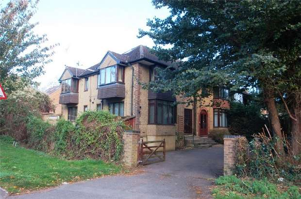 2 Bedrooms Flat for rent in Folly Lane, St Albans, Hertfordshire
