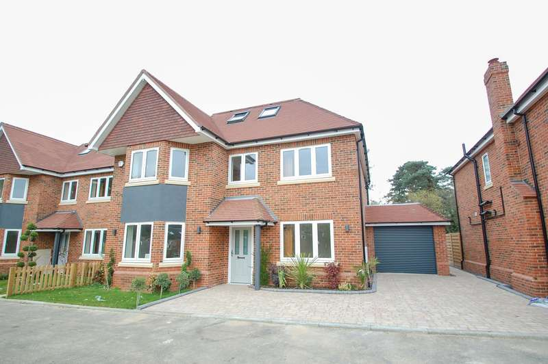 5 Bedrooms Detached House for sale in Fairfield Place, Fairfield Lane, Farnham Royal, SL2