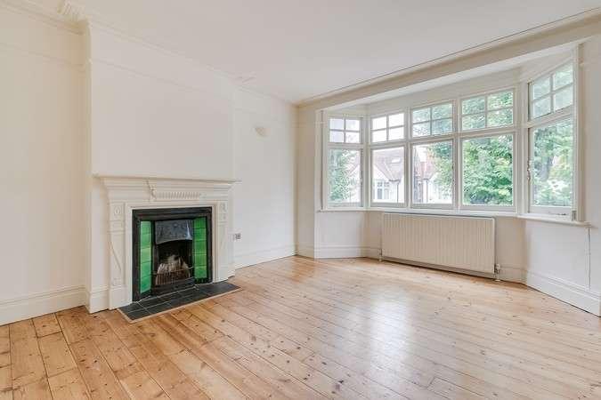 2 Bedrooms Flat for rent in Pleydell Avenue, London
