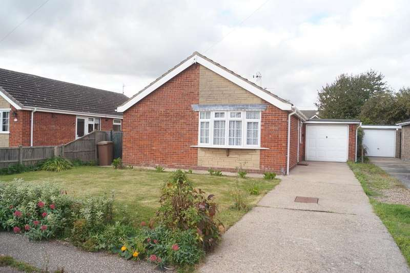 3 Bedrooms Detached Bungalow for sale in Delph Road, North Hykeham, Lincoln