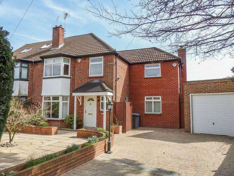 4 Bedrooms Semi Detached House for sale in Maidenhead