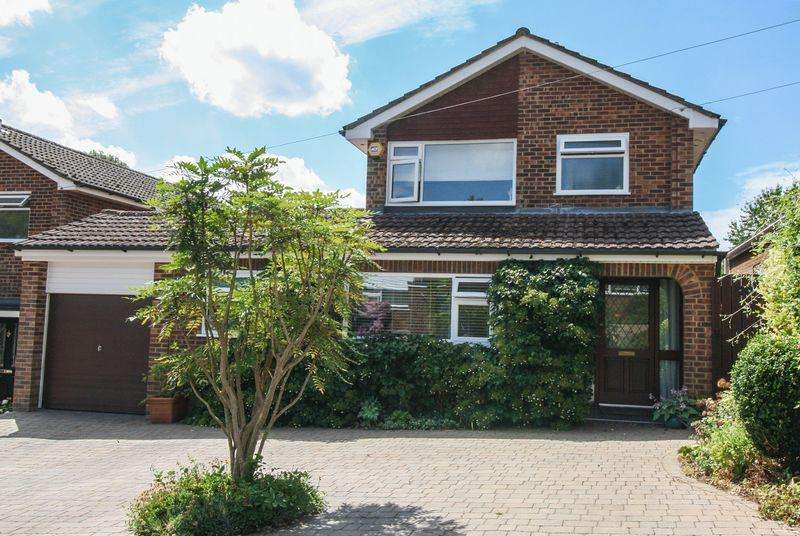 3 Bedrooms Detached House for sale in Marlow Bottom