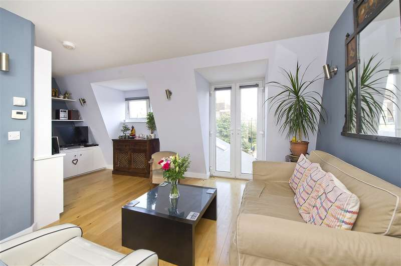 3 Bedrooms Maisonette Flat for sale in Collingbourne Road, Shepherd's Bush